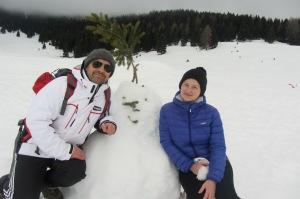 Con il pupazzo di neve in Val Formica, Altopiano di Asiago
